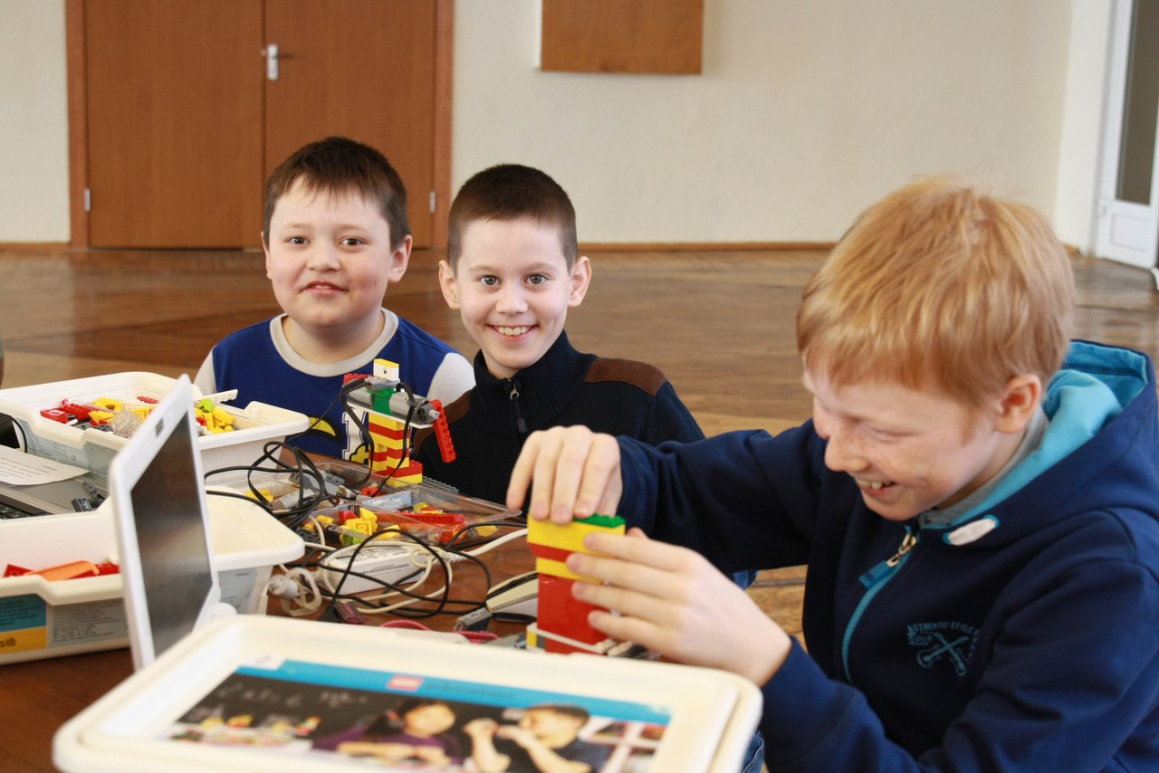 Основы Lego-конструирования и робототехники (педагоги Еркина В.О., Чувашова В.А.)